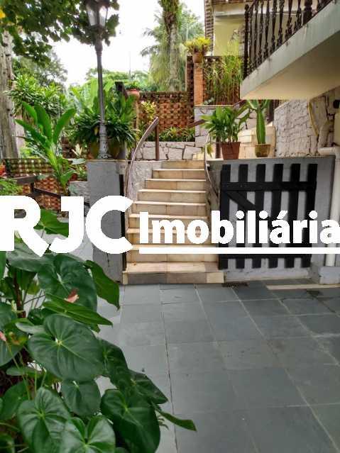 24 - Casa em Condomínio 4 quartos à venda Itanhangá, Rio de Janeiro - R$ 1.000.000 - MBCN40019 - 25