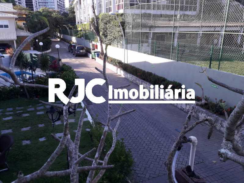 23 - Casa em Condomínio à venda Avenida Lúcio Costa,Barra da Tijuca, Rio de Janeiro - R$ 2.700.000 - MBCN50006 - 24