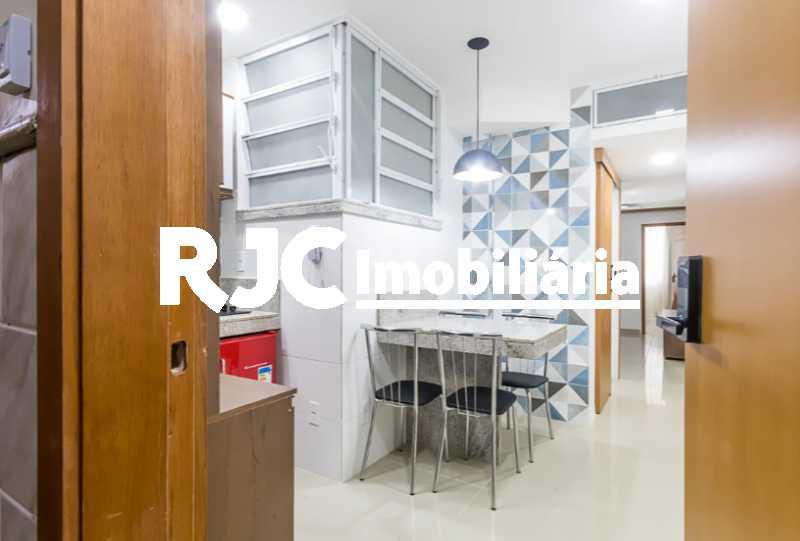 15 - Apartamento à venda Avenida Nossa Senhora de Copacabana,Copacabana, Rio de Janeiro - R$ 529.000 - MBAP11028 - 17