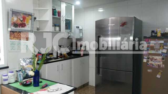 FOTO 5 - Casa de Vila 3 quartos à venda Vila Isabel, Rio de Janeiro - R$ 800.000 - MBCV30026 - 6