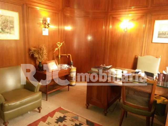 FOTO 8 - Casa 4 quartos à venda Alto da Boa Vista, Rio de Janeiro - R$ 3.000.000 - MBCA40067 - 9