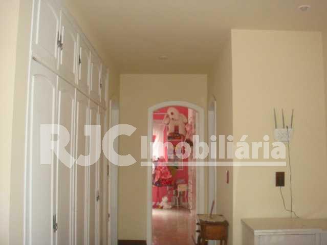 Circulação intima 2 piso 4 - Casa em Condominio Recreio dos Bandeirantes,Rio de Janeiro,RJ À Venda,6 Quartos,687m² - MBCN60001 - 17