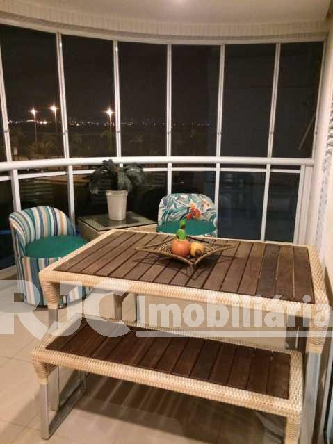 02 - Apartamento Barra da Tijuca,Rio de Janeiro,RJ À Venda,2 Quartos,82m² - MBAP21396 - 5
