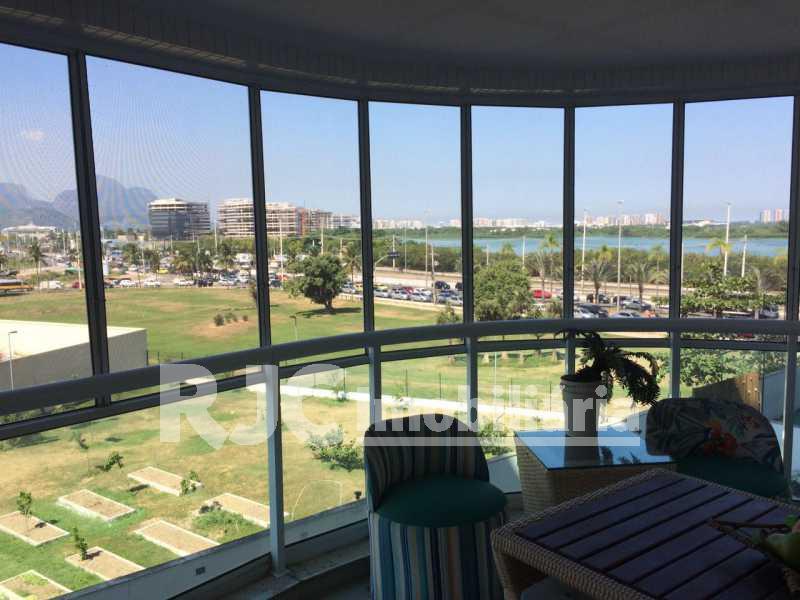 04 - Apartamento Barra da Tijuca,Rio de Janeiro,RJ À Venda,2 Quartos,82m² - MBAP21396 - 7