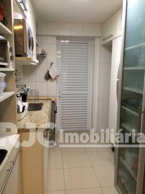 16 - Apartamento Barra da Tijuca,Rio de Janeiro,RJ À Venda,2 Quartos,82m² - MBAP21396 - 18