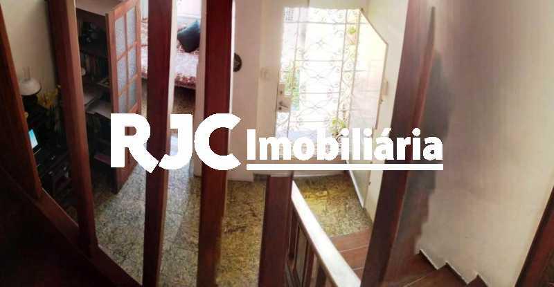02.1 - Vista da escada para Ha - Casa de Vila 3 quartos à venda Vila Isabel, Rio de Janeiro - R$ 590.000 - MBCV30044 - 4