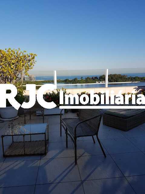 20170630_155448 2 - Cobertura 3 quartos à venda Barra da Tijuca, Rio de Janeiro - R$ 2.368.421 - MBCO30205 - 7