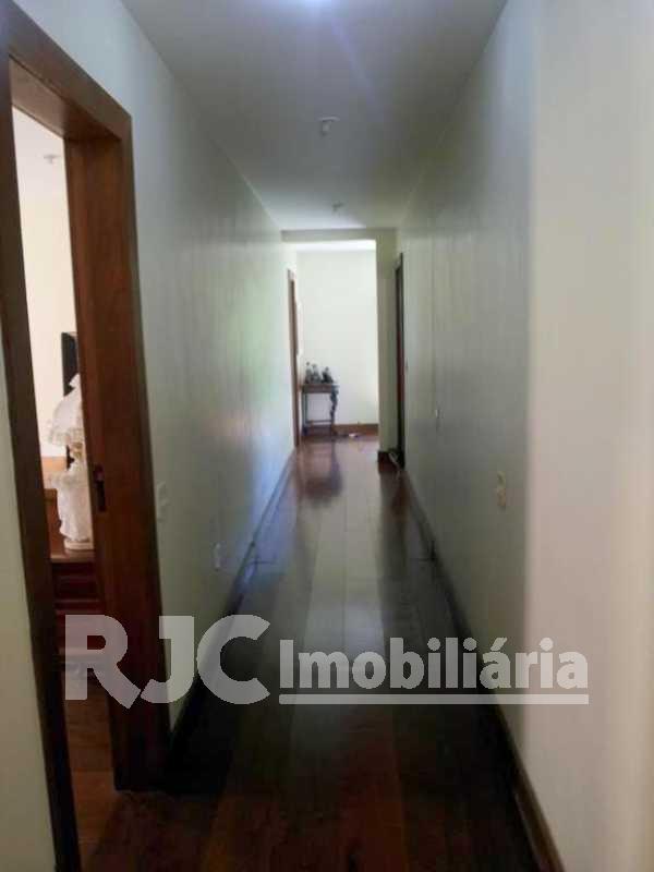 Circulação - Casa 3 quartos à venda Vila Isabel, Rio de Janeiro - R$ 1.200.000 - MBCA30025 - 10