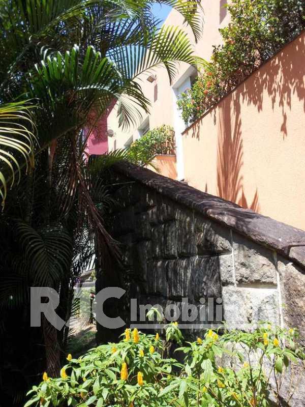 Acesso - Casa 3 quartos à venda Vila Isabel, Rio de Janeiro - R$ 1.200.000 - MBCA30025 - 30