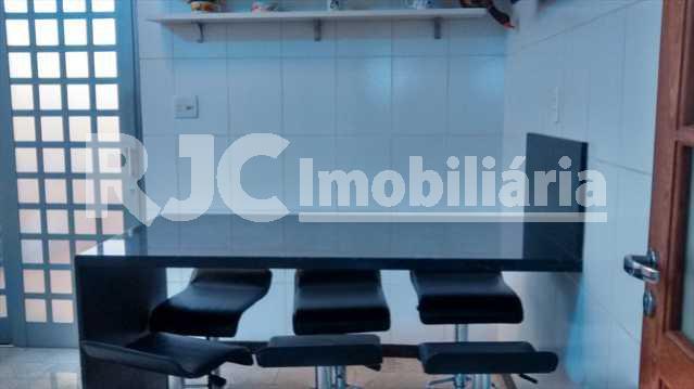 056 13 - Casa 4 quartos à venda Vila Isabel, Rio de Janeiro - R$ 890.000 - MBCA40001 - 7