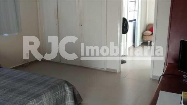 056 27 - Casa 4 quartos à venda Vila Isabel, Rio de Janeiro - R$ 890.000 - MBCA40001 - 23