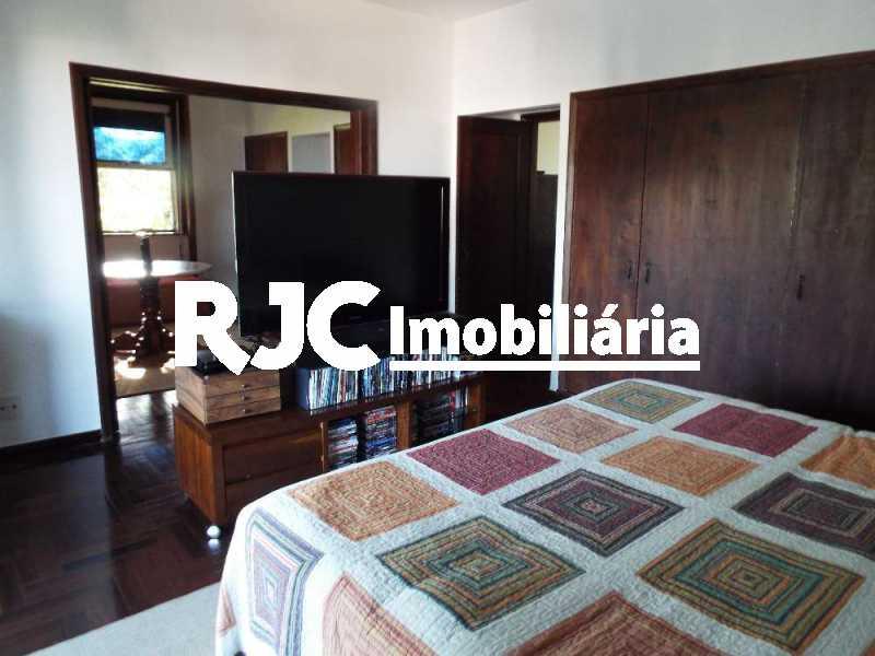 2A_Master_1_resized - Casa em Condomínio 4 quartos à venda Santa Teresa, Rio de Janeiro - R$ 2.100.000 - MBCN40011 - 23