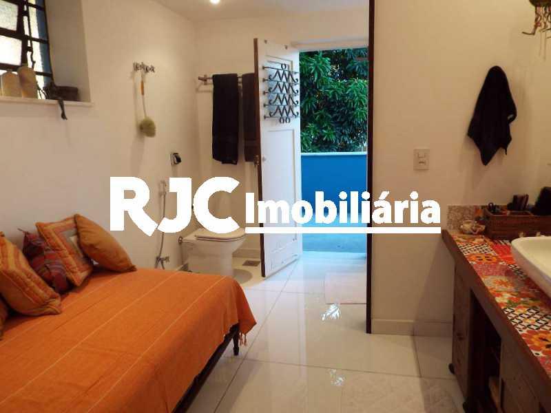 2A_MBanho_Suite_21 8_resized - Casa em Condomínio 4 quartos à venda Santa Teresa, Rio de Janeiro - R$ 2.100.000 - MBCN40011 - 27
