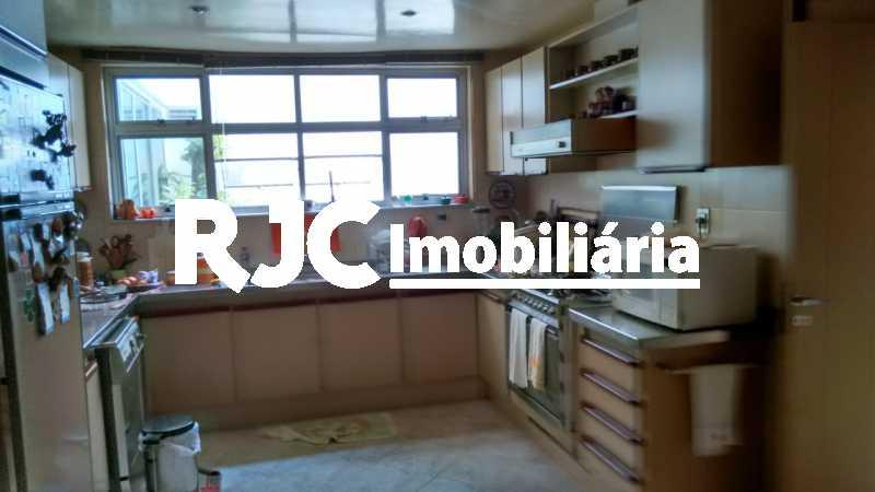 IMG-20181031-WA0061 - Apartamento 4 quartos à venda Barra da Tijuca, Rio de Janeiro - R$ 4.200.000 - MBAP40359 - 27