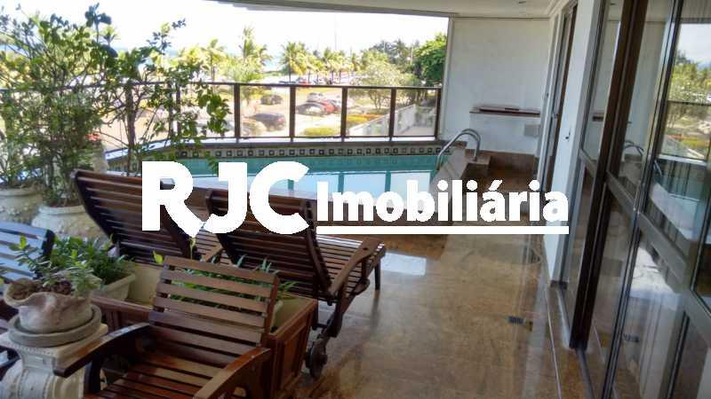 IMG-20181031-WA0063 - Apartamento 4 quartos à venda Barra da Tijuca, Rio de Janeiro - R$ 4.200.000 - MBAP40359 - 4