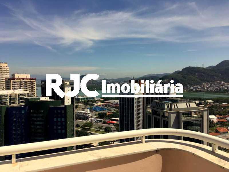 3. - Apartamento 2 quartos à venda Barra da Tijuca, Rio de Janeiro - R$ 790.000 - MBAP23884 - 4