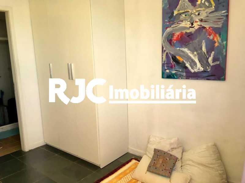 10.1. - Apartamento 2 quartos à venda Barra da Tijuca, Rio de Janeiro - R$ 790.000 - MBAP23884 - 11