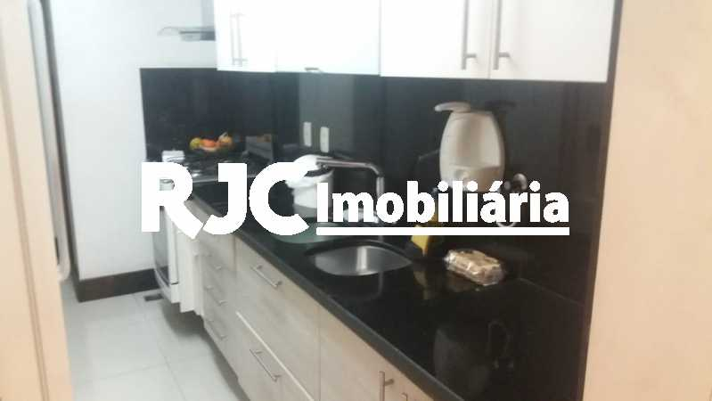 PHOTO-2019-02-27-08-26-19 - Apartamento 3 quartos à venda Laranjeiras, Rio de Janeiro - R$ 849.000 - MBAP32503 - 11