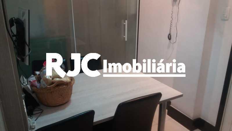 PHOTO-2019-02-27-08-26-19_1 - Apartamento 3 quartos à venda Laranjeiras, Rio de Janeiro - R$ 849.000 - MBAP32503 - 12