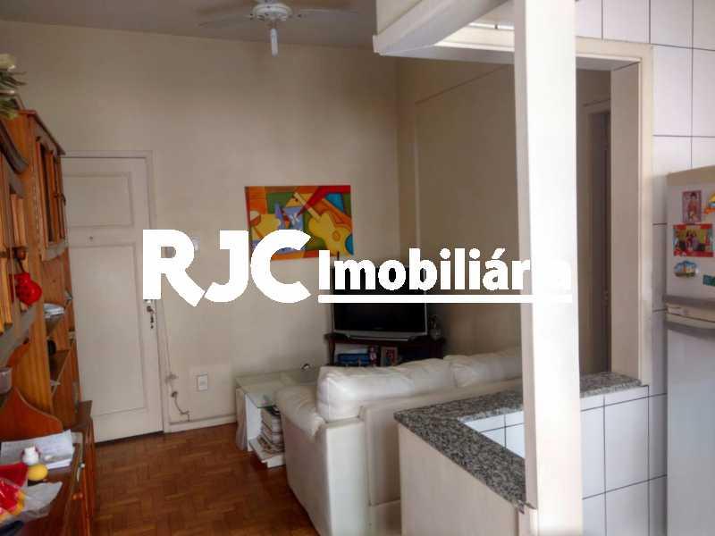 3    Sala - Apartamento 1 quarto à venda Tijuca, Rio de Janeiro - R$ 265.000 - MBAP10812 - 4