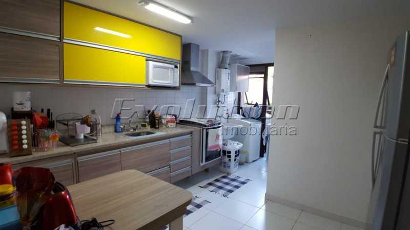 Cozinha. - APARTAMENTO PARA VENDA - RECREIO DOS BANDEIRANTES - RIO DE JANEIRO - ERAP30015 - 5