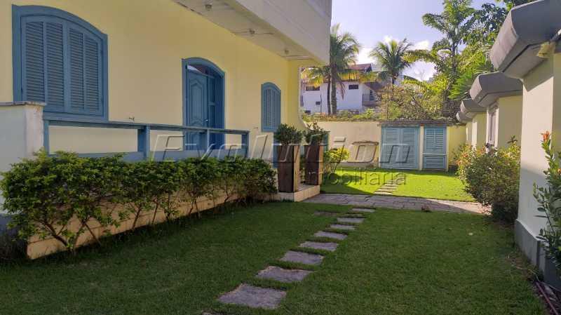 lateral - Casa no condomínio Lagoa Mar Sul - oportunidade. - EBCN40049 - 4