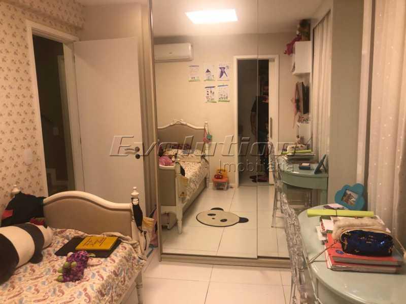 Suíte 1 - Casa finamente decorada por arquiteto no condomínio Enjoy. - EBCN40051 - 13
