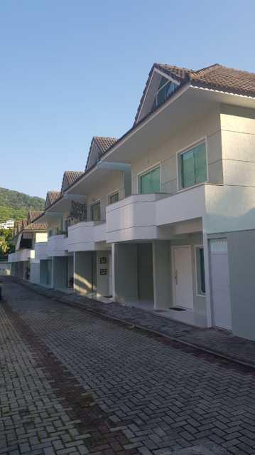 Rio de Janeiro casa condominio VENDA Jacarepaguá